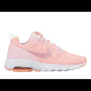 Nike Women's Air Max Low Motion
